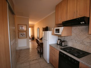 Twin Self-Catering One Bedroom Unit in Fourways - Fourways vacation rentals