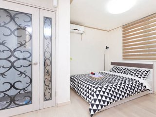 Clean & Coza room (이태원) - 1 - Muju-gun vacation rentals