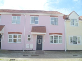 5 Ratcliff Mews connaught ave - Frinton-On-Sea vacation rentals
