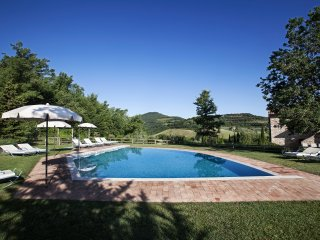 7 bedroom Villa with Internet Access in Sant'Albino - Sant'Albino vacation rentals