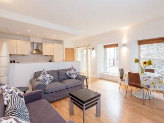 The Edmonstone's Close Residence - Edinburgh vacation rentals