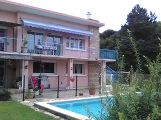 Nice Condo with Internet Access and Wireless Internet - Donzere vacation rentals