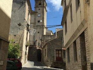 Taormina - Alcantara Valley - Appartamento Singolo - Graniti vacation rentals