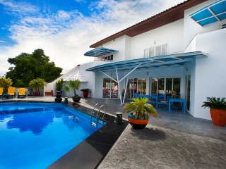 8 Bed - Gym,Pool, Central Phratamnak - Jomtien Beach vacation rentals