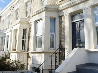 The Lillie Apartment - London vacation rentals