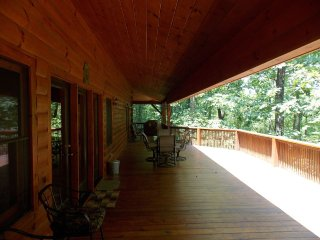 Beautiful 6 BR Log Cabin Located in Smoky Mtns - Franklin vacation rentals
