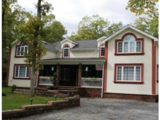 New modern house with 4 bedrooms, 3.5 bathrooms - Albrightsville vacation rentals