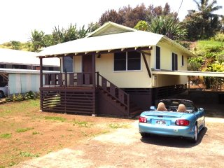 Cozy House in Kukuihaele with Wireless Internet, sleeps 6 - Kukuihaele vacation rentals