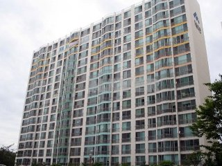 Open expanse with spacious and clean bed rooms and shower rooms on the top floor - Daegu vacation rentals