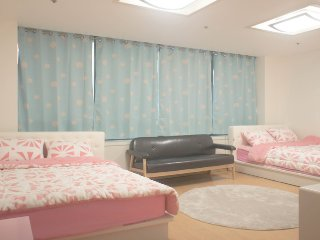 [1min@Hongdae stn]Two queen beds-F - Bucheon vacation rentals