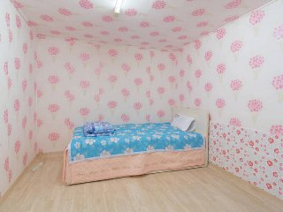 1 Month Stay with Private Bathroom for 1 Person - Gwangmyeong-si vacation rentals