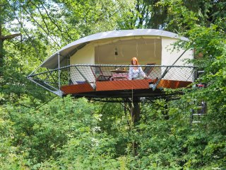 Privat Tree-Glamping and wildlife observatory - Crupet vacation rentals