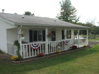 Charming Studio with Internet Access and A/C - Cleveland vacation rentals