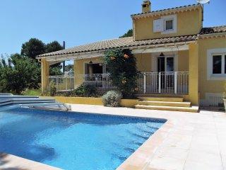 Villa standing proche Lubéron et Pays d'Aix - Pertuis vacation rentals