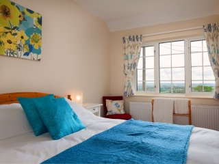 Comfortable 2 bedroom Cullompton Cottage with Internet Access - Cullompton vacation rentals