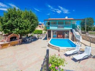 Ferienhaus Martina mit Pool - Malinska vacation rentals