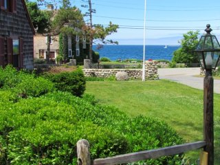OCEANFRONT, ROCKPORT, STEPS FROM BEACH &TOWN (207) - Rockport vacation rentals