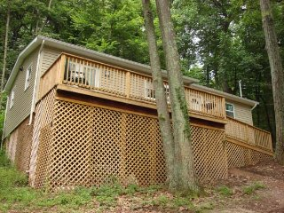 2 bedroom House with A/C in Hedgesville - Hedgesville vacation rentals
