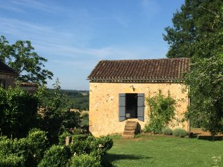 Le Mazet: 4 star character Dordogne cottage with stunning views & free WiFI - Beaumont-du-Perigord vacation rentals