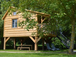 Nice Tree house with Satellite Or Cable TV and Parking - Lillers vacation rentals