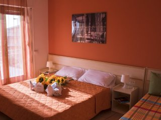 """App. """"Scirocco"""" a Casuzze 250 m dalla spiaggia - Marina di Ragusa vacation rentals"""