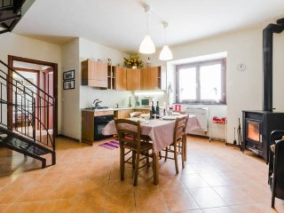 Nice Villa with Balcony and Microwave - Sant'Eufemia a Maiella vacation rentals