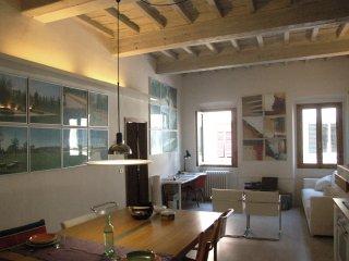 Architect's home studio close to Boboli Garden - Florence vacation rentals
