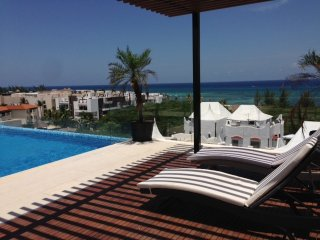 Very close to the beach & 5th avenue, ideal for 4 - Playa del Carmen vacation rentals