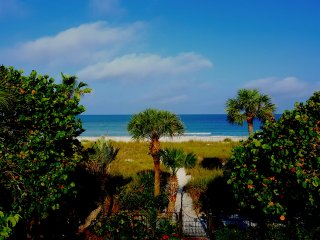 Perfect Condo with Deck and Internet Access - Saint Pete Beach vacation rentals