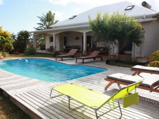 Bright 5 bedroom Les Avirons House with Internet Access - Les Avirons vacation rentals