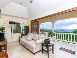 Perfect Villa with Television and Water Views - Friendship vacation rentals