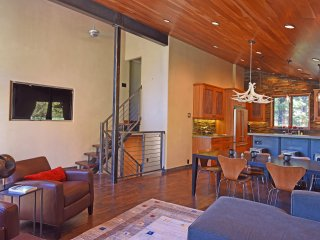 Nice House with Deck and Internet Access - Alpine Meadows vacation rentals