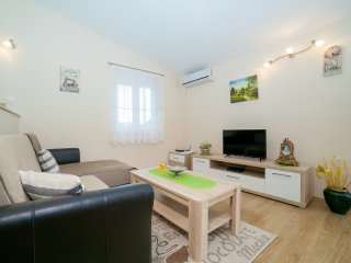 Apartments RBB - One-Bedroom Apartment with Balcony (5 Adults) 2 - Buljarica vacation rentals