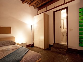 Great 3-BR Apt with wooden ceiling - Roma vacation rentals
