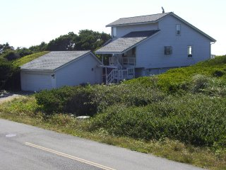 SALTY DOG OCEANFRONT HOME  ROGUE SHORES GOLD BEACH - Gold Beach vacation rentals