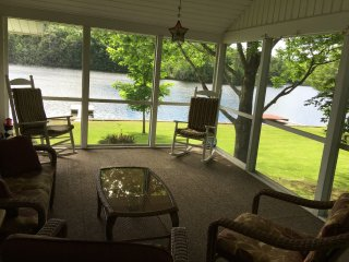 Beautiful lake house on Tacoma Lakes near Coast - Litchfield vacation rentals