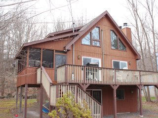 Walk to the Beach and Pool - Lake Ariel vacation rentals