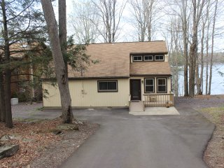 Nice House with Internet Access and Waterfront - Lake Ariel vacation rentals
