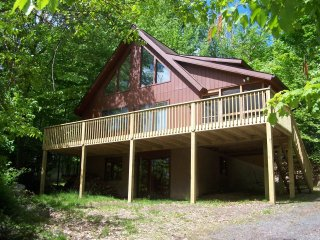 4 Bedroom/2 Bath Chalet - Lake Ariel vacation rentals