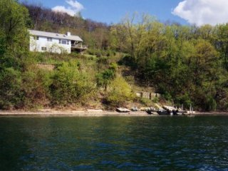 K12 - Tranquility on the Bluff - New York vacation rentals