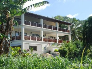 Matahere's Muri Sleeps 12 per floor - Cook Islands vacation rentals