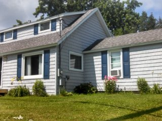 Nice 4 bedroom Cottage in Keuka Park - Keuka Park vacation rentals