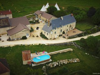 au coeur de 27 hectares, piscine et golf champêtre - La Roche-Posay vacation rentals
