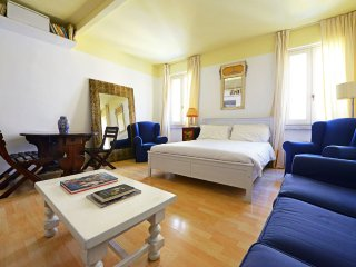 Moro house apartment - Rome vacation rentals