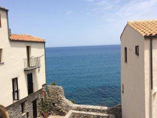"""Casa """"L'Albero Maestro"""" - Fiocco - Cefalu vacation rentals"""