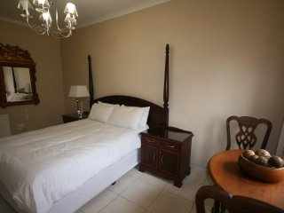 5 Sleeper Self-Catering Unit in Fourways - Fourways vacation rentals