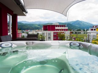 Brasov Penthouse Retreat Rosu with Private Jacuzzi - Brasov vacation rentals