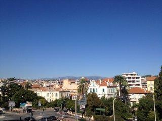 APPARTEMENT 65M2 SITUE A 950M DU PALAIS & PLAGES - Cannes vacation rentals