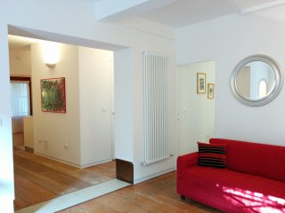 With private courtyard! Close to S.Lucia station - Venice vacation rentals