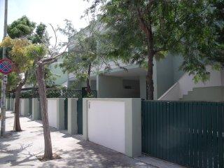 Villetta a schiera 150 mt. dai lidi sabbiosi BV011 - Baia Verde vacation rentals